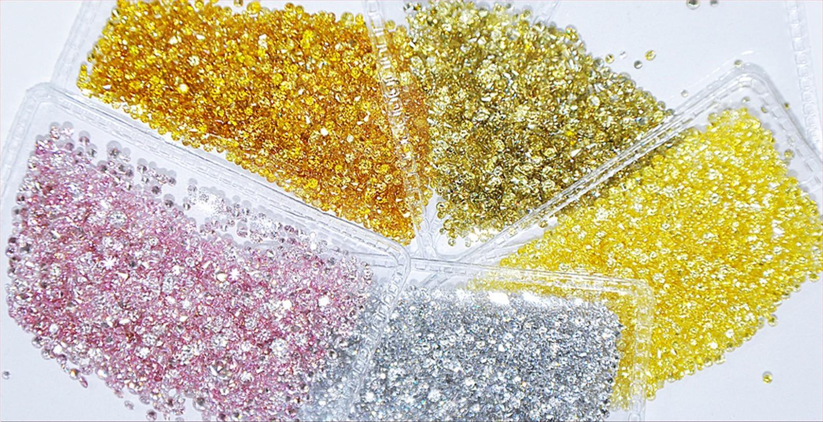 天然彩色鑽石  <br /> <div> 黃色,粉紅色,金色,咖啡色,橘紅色,綠色,混合色 </div>